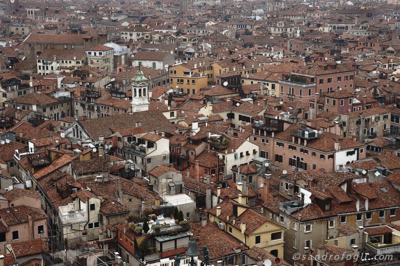 city-venezia roof yoga